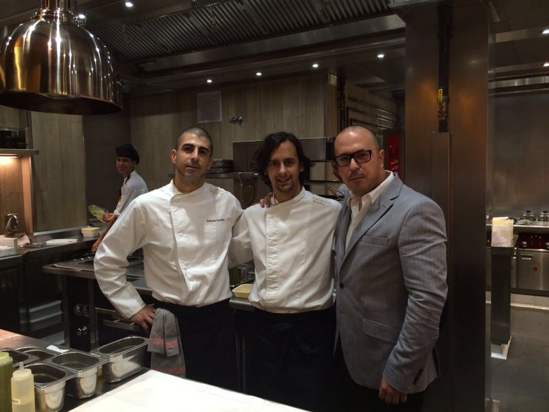 Toni Simôes, Kike Piñeiro y Manuel Simôes entre fogones en La Taverna del Clínic