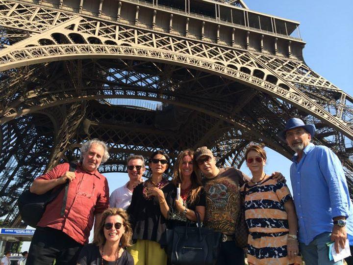 Los Taverneros visitando la Tour Eiffel ( Paris )
