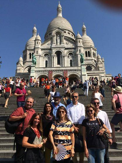 Los Taverneros delante del Sacre Coeur ( Paris )